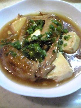 手羽先と豆腐、木耳のオイスタースープ煮