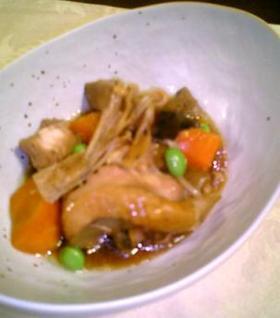 骨付き鶏肉とえのきだけの煮物