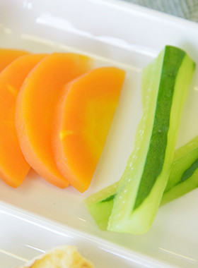 【離乳食後期】手づかみ野菜