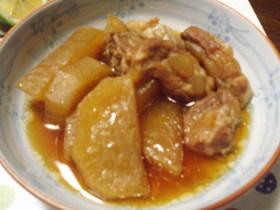 豚ナンコツと大根のやわらか煮