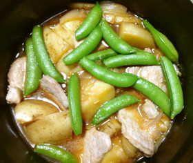 モモ肉(一口カツ用)とじゃがいもの煮物