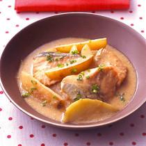 鮭とじゃがいものみそクリームシチュー