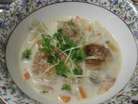 とろ~りもっちり里芋団子の豆乳スープ