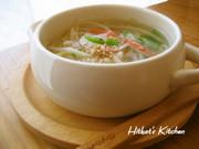 昆布茶で簡単❀もやしと蟹カマのスープの写真