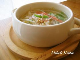 昆布茶で簡単❀もやしと蟹カマのスープ