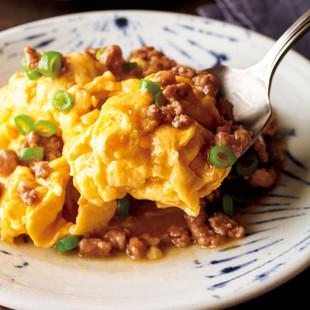 ふわふわ卵炒めのひき肉あんかけ