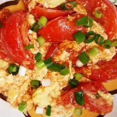 トマトと卵のチャチャッと炒め
