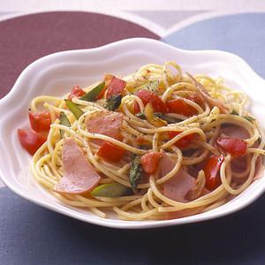 アスパラとトマトのスパゲティ