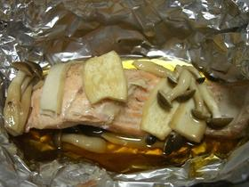鮭ときのこのホイル焼き