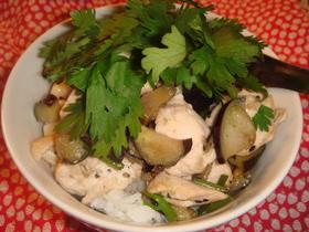 ひとりご飯♪鶏肉とナスのエスニック丼
