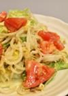 みそソースでレタスもやしトマトのサラダ