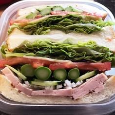 写真映え◎ボリュームたっぶりサンドイッチ