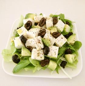 オリーブ香る♪豆腐とアボカドのサラダ
