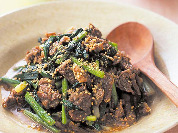 牛肉のごま風味煮