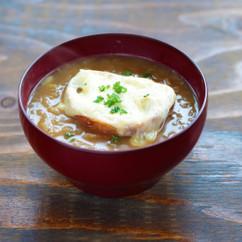 煮込まないオニオングラタンスープ