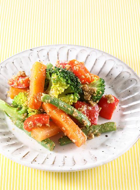 お弁当の一品に!彩り野菜のごま和え