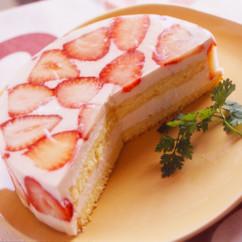 いちごのヨーグルトゼリーケーキ