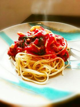 セロリがメイン。トマトソースパスタ。