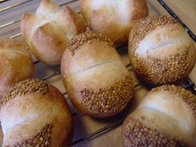 高級ゴマパン・・・イーストのパン