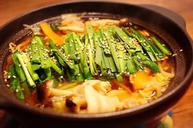 焼肉のタレで♡豚バラとニラのもつ鍋風