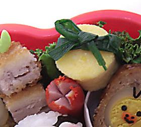 プレゼント風ニラ玉 キャラ弁のおかず