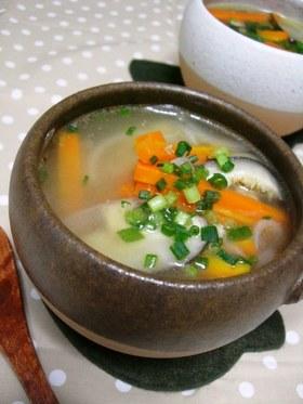 おかずにもなるよ♪具たくさん中華風スープ
