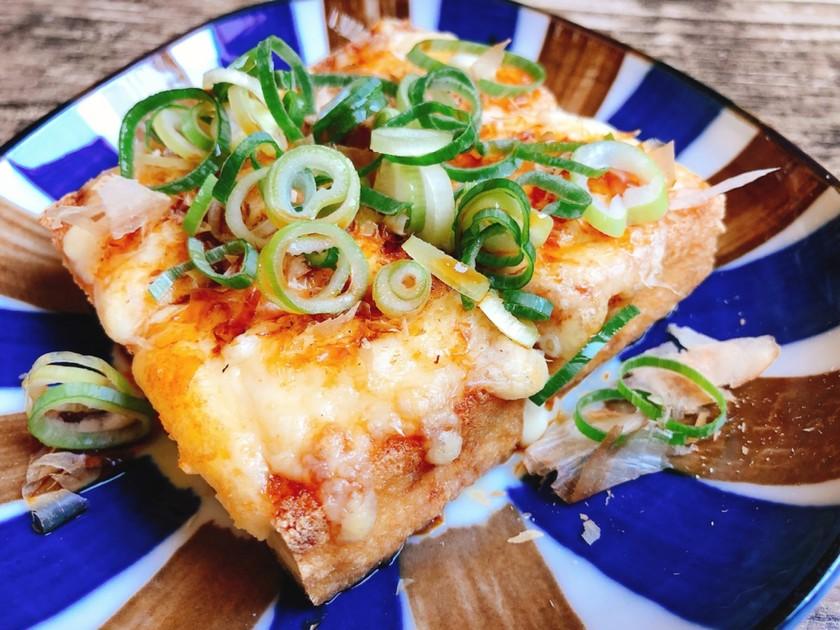 簡単節約♡厚揚げのチーズ焼きおかかのせ♫