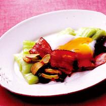 青梗菜のソテー温泉卵のせ