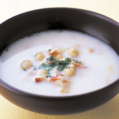 大豆とベーコンのミルクスープ