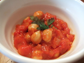 ほくほくひよこ豆のトマト煮込み