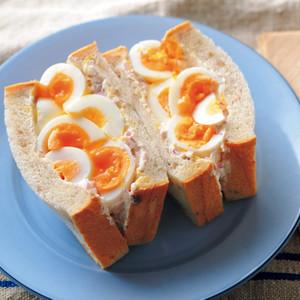 ごろごろ半熟卵サンド