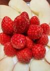 苺と林檎の盛合せ