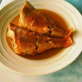 すき焼きのタレとめんつゆで☆赤魚の煮付け