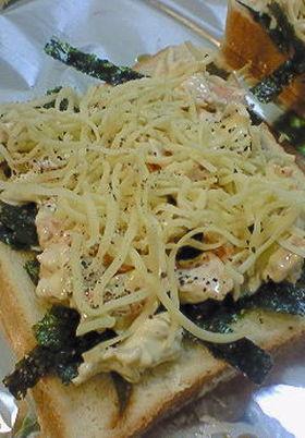 残った鮭で和風な鮭マヨ♡トースト