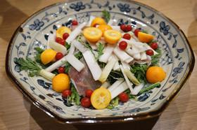 絶品 金柑とウドと春菊のサラダ