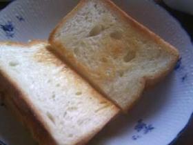バター香る♪フライパンでカリふわトースト