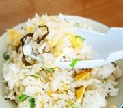 ずぼらランチ!ジャコと塩昆布の旨味炒飯の写真