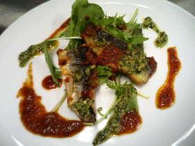 秋刀魚のセモリナ粉ソテー 2色ソース