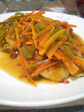 野菜たっぷり鶏肉の甘酢あんかけ