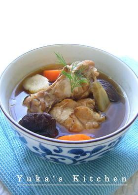 鶏手羽元肉と根菜の和風スープ