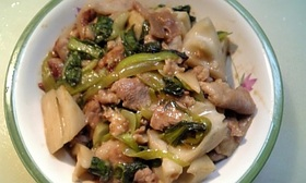 レンコンと豚肉のオイマヨ炒め