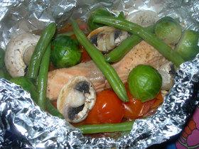 サーモンと野菜の蒸し焼き