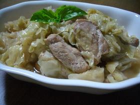 料理のための清酒で煮込むキャベツ豚♡