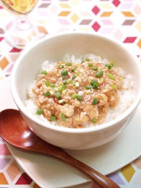 鶏そぼろのさっぱり甘酢煮丼