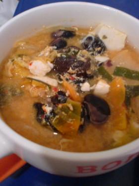 美肌作りに♪キムチの味噌スープ