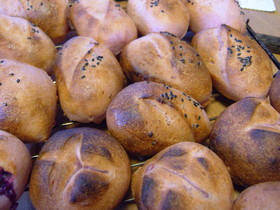 紫いものパン・・・天然酵母