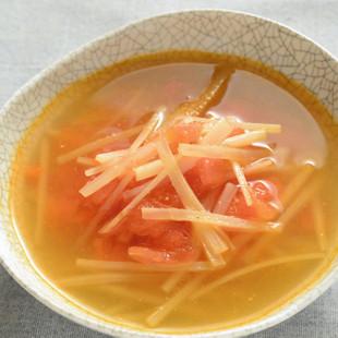 ウドの皮とトマトの中華スープ