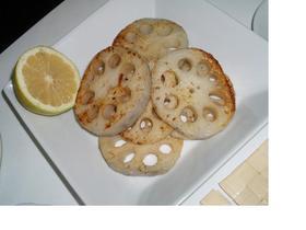 もっちり美味しい☆レンコンのステーキ