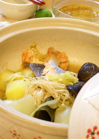 美酒鍋&石狩鍋風 鮭と野菜の酒蒸し