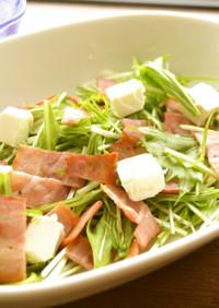 カリカリベーコンと水菜のサラダ
